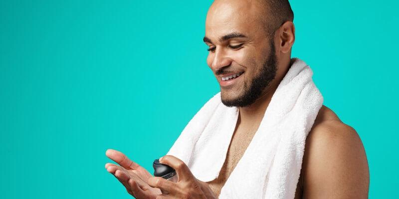 Mauvaise hygiène de vie : l'une des principales causes de chute de cheveux
