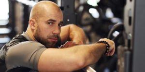 Quel est le lien entre la testostérone et la perte de cheveux